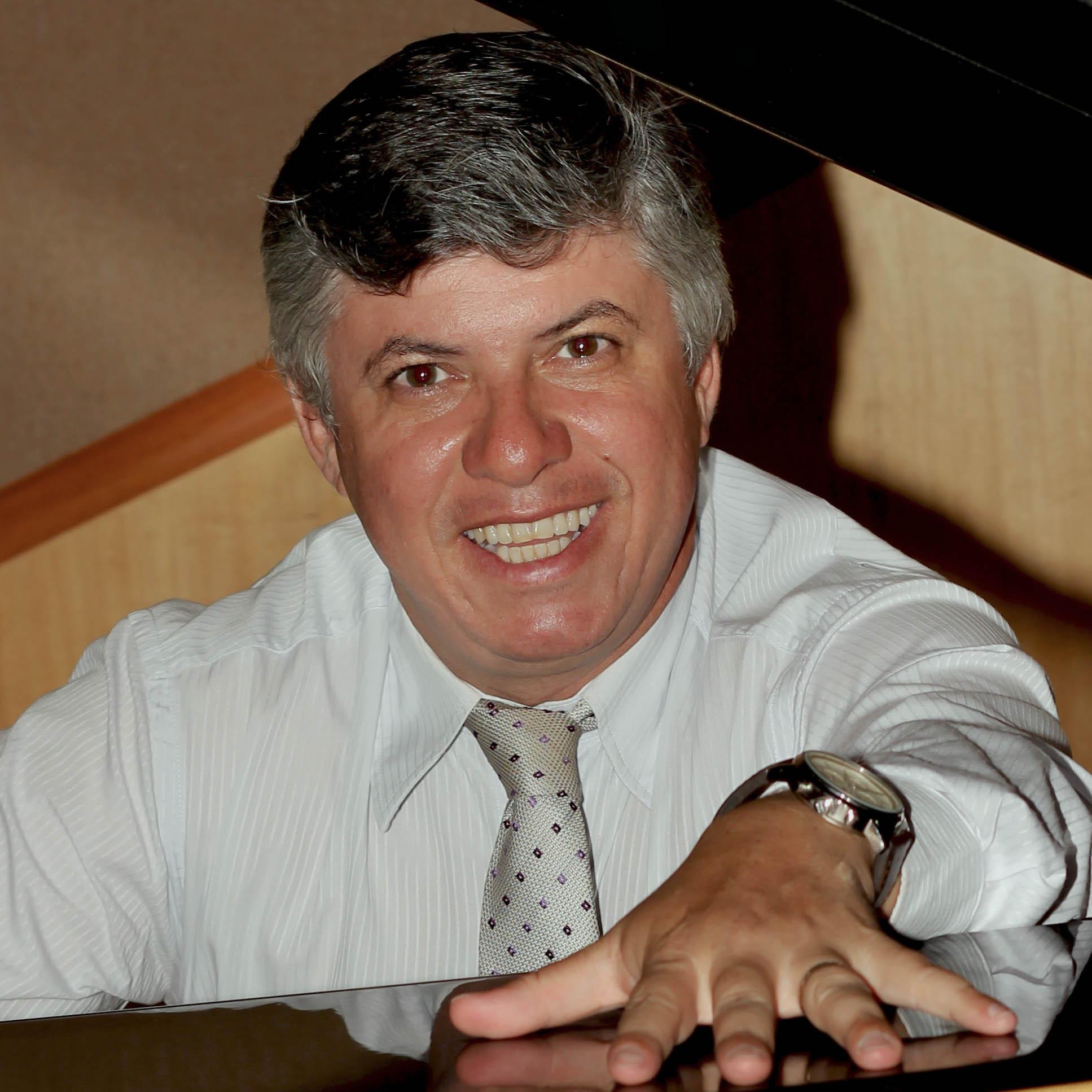 Maestro Edison Ferreira